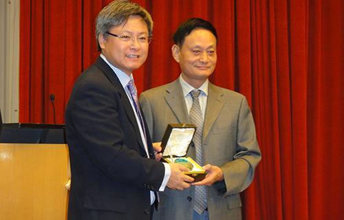 7香港大学访学交流(2011.8.31.).JPG